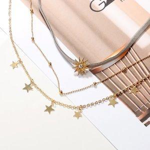 Jewelry - ⚜️[𝟯/$𝟮𝟴]⚜️3 Layered Gold Gray Star Choker New